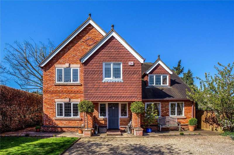 5 Bedrooms Detached House for sale in Longfield Road, Wagrave Road, Twyford, RG10