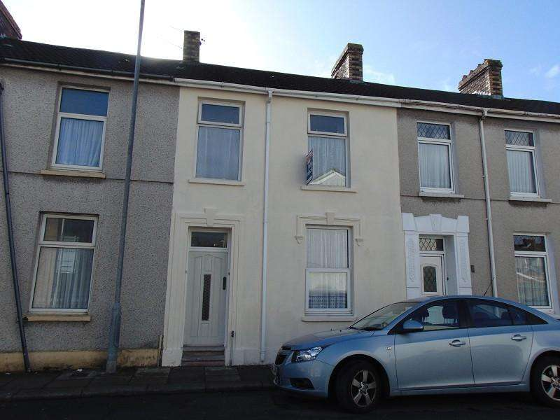3 Bedrooms Terraced House for sale in Marsh Street, Llanelli, Carmarthenshire. SA15 1AU