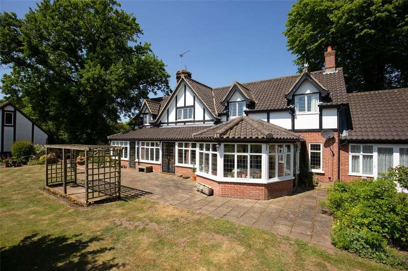 5 Bedrooms Detached House for sale in Hallfield Road, Thompson, Thetford, IP24