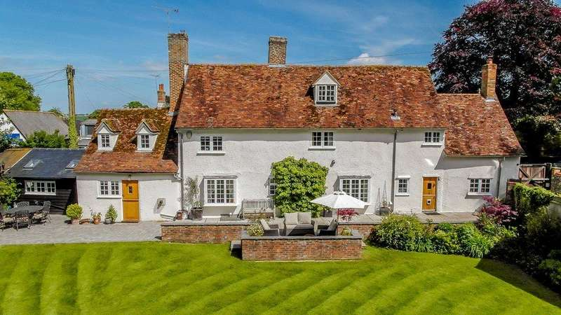 5 Bedrooms Detached House for sale in High Street, Barley, Royston, Cambridgeshire