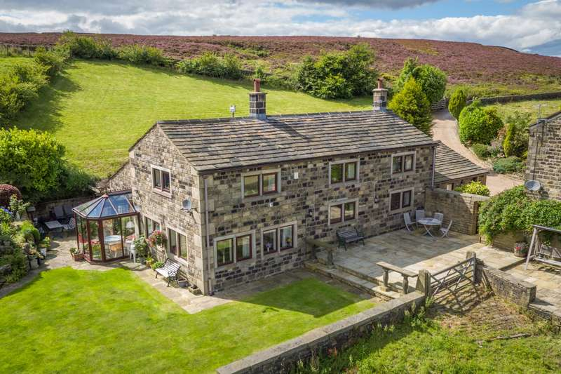 4 Bedrooms Detached House for sale in Height Top Farmhouse, Thorney Lane, Midgley, Halifax, HX2