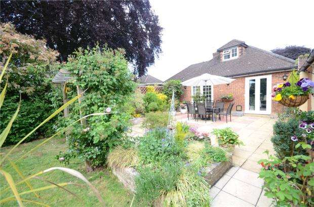 3 Bedrooms Semi Detached Bungalow for sale in Bannard Road, Maidenhead, Berkshire