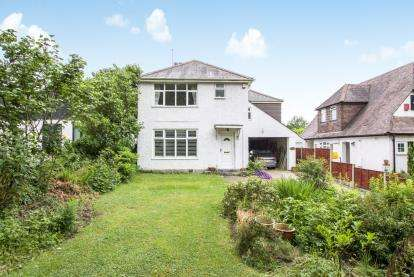 4 Bedrooms Detached House for sale in Bearcross, Bournemouth, Dorset