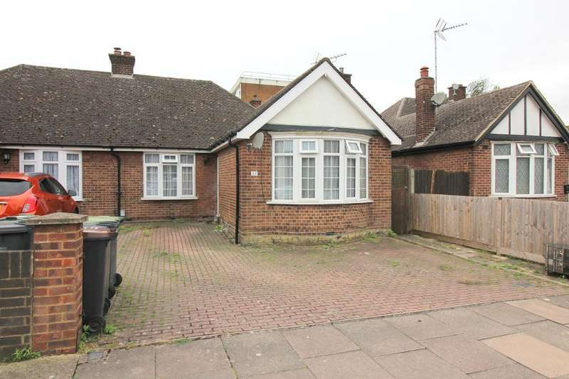 2 Bedrooms Bungalow for sale in Faringdon Road, Luton, Bedfordshire, LU4 0EB
