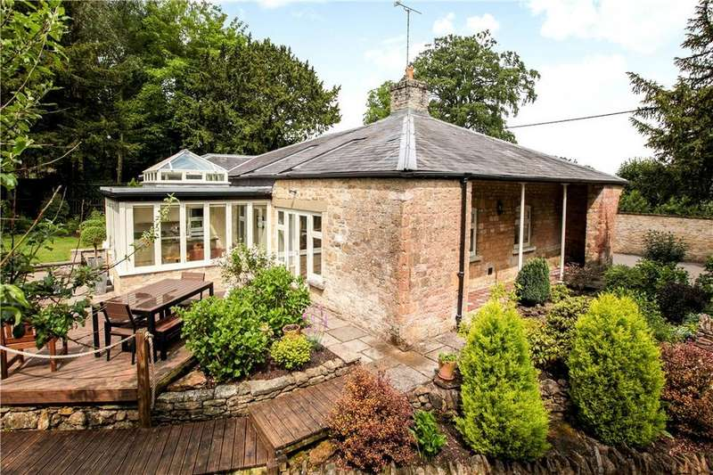 4 Bedrooms Detached House for sale in Horsington, Templecombe, Somerset, BA8