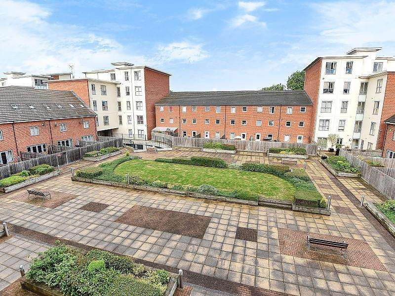 2 Bedrooms Apartment Flat for sale in Englefield House, Moulsford Mews, Reading, RG30