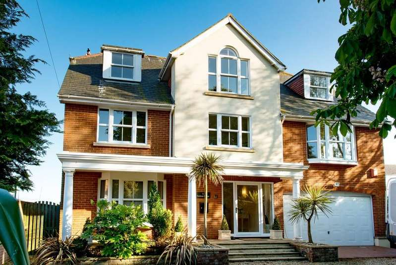 4 Bedrooms Detached House for sale in MUDEFORD