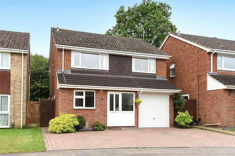 4 Bedrooms Detached House for sale in Sarum Crescent, Wokingham, Berkshire, RG40