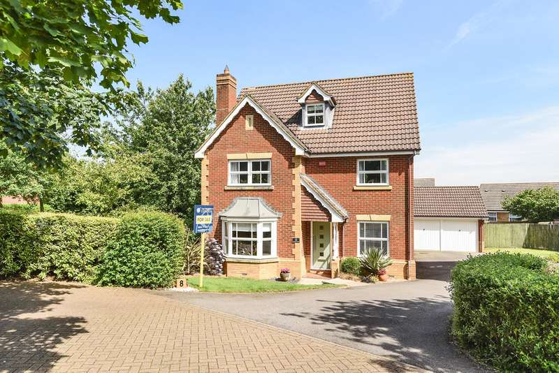 4 Bedrooms Detached House for sale in Firecrest Road, Gabriel Park, Basingstoke, RG22