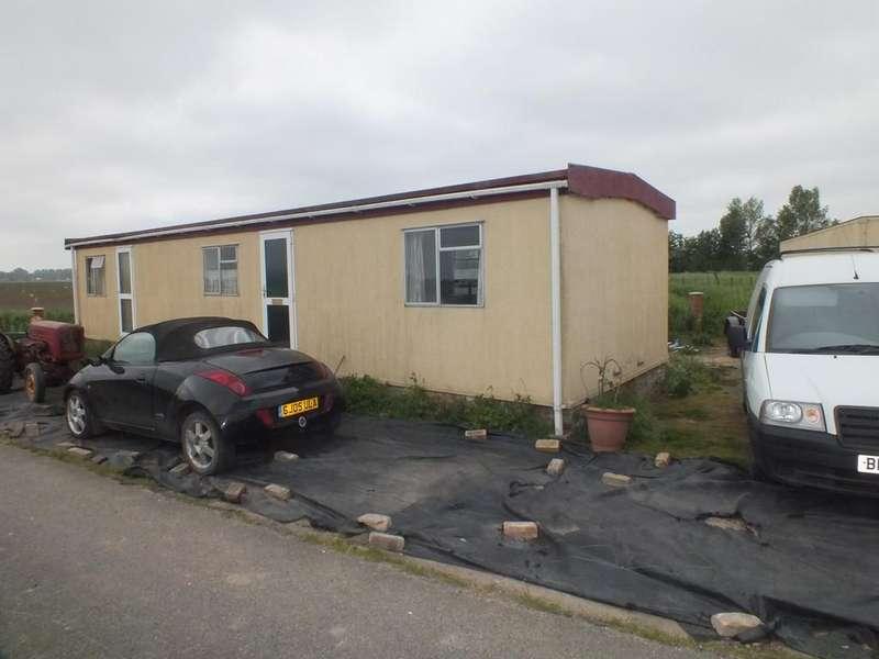 2 Bedrooms Detached Bungalow for sale in Coney Garth Lane, Surfleet Seas End