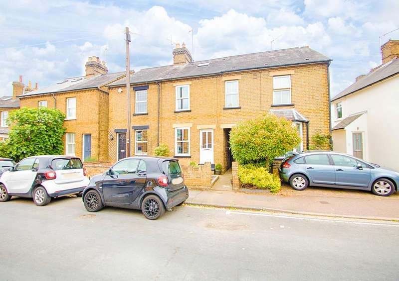 3 Bedrooms Terraced House for sale in Molewood Road, Bengeo, Hertford