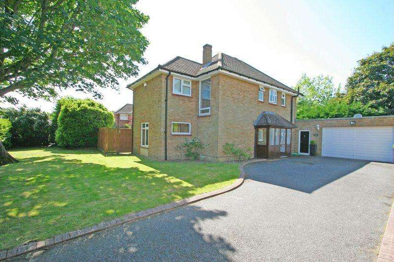 4 Bedrooms Detached House for sale in Church Road, Farnham Royal, Buckinghamshire SL2