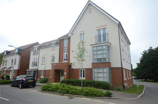 2 Bedrooms Apartment Flat for sale in Whitlock Avenue, Wokingham, Berkshire