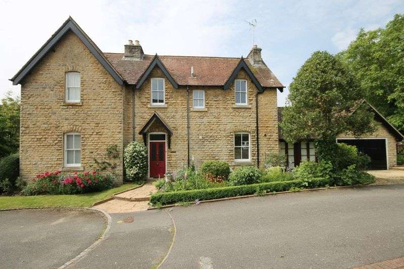 3 Bedrooms Property for sale in The Homestead, Bladon