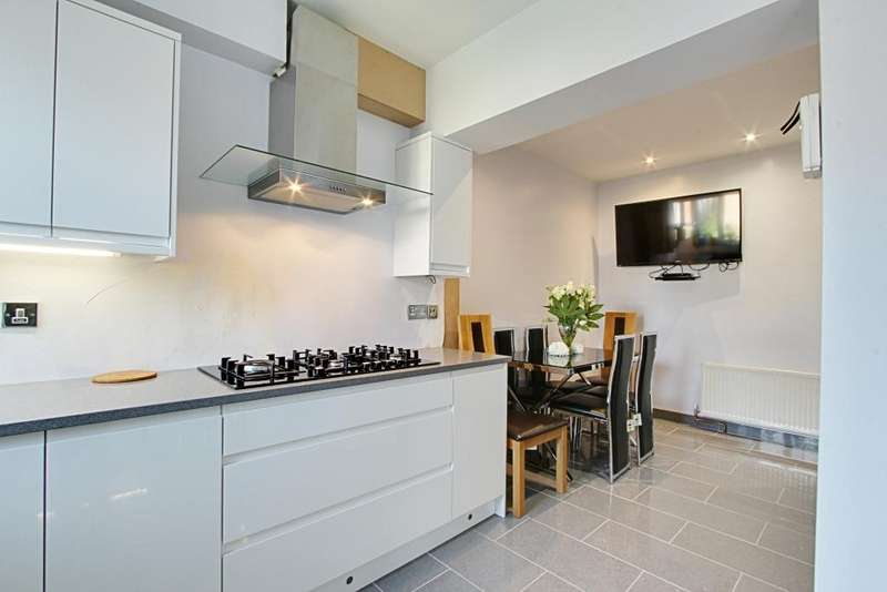 5 Bedrooms House for sale in Warley Avenue, Hayes