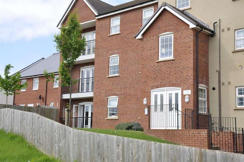 2 Bedrooms Ground Flat for sale in Hillside Gardens, Exeter