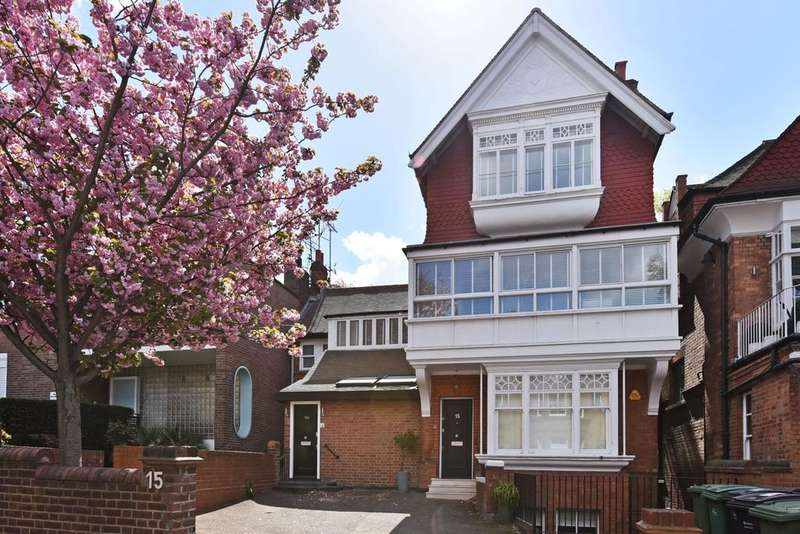 3 Bedrooms Flat for sale in Arkwright Road, London. NW3