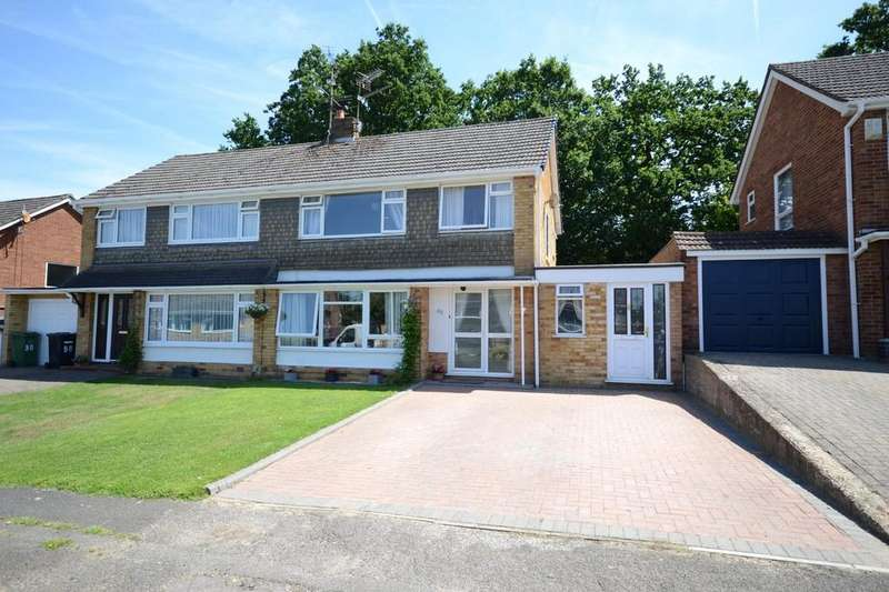 3 Bedrooms Semi Detached House for sale in Foxcombe Drive, Tilehurst