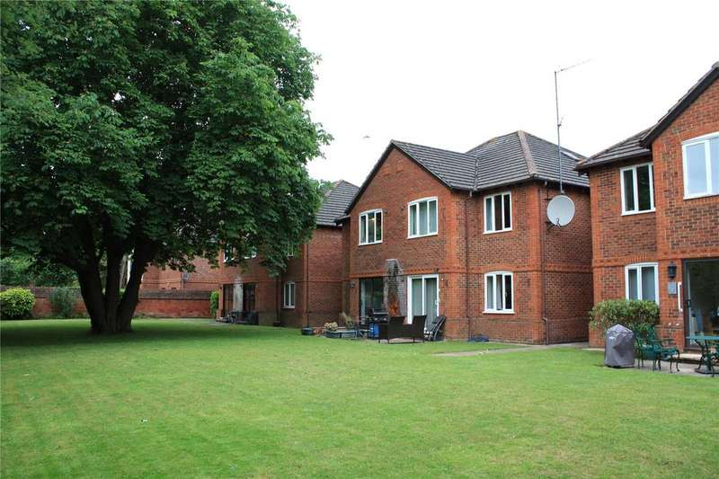 2 Bedrooms Apartment Flat for sale in Parkhouse Court, Parkhouse Lane, Reading, Berkshire, RG30
