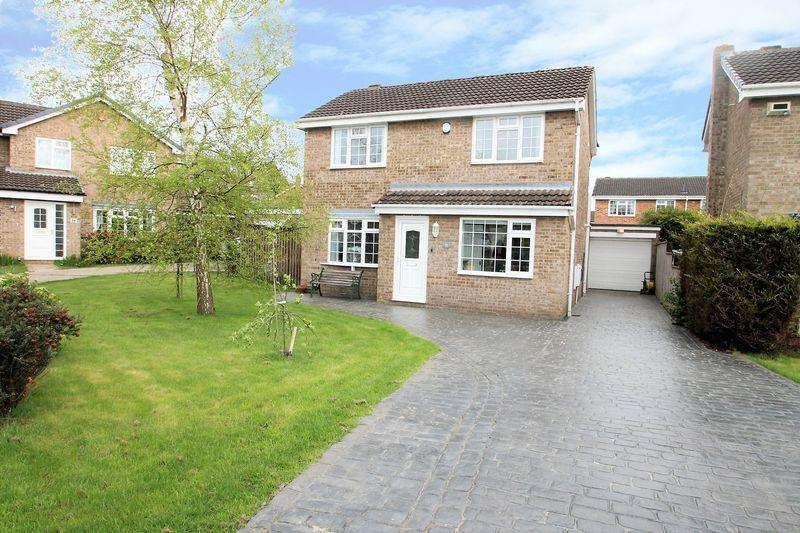 4 Bedrooms Detached House for sale in Nederdale Close, Yarm TS15 9UE