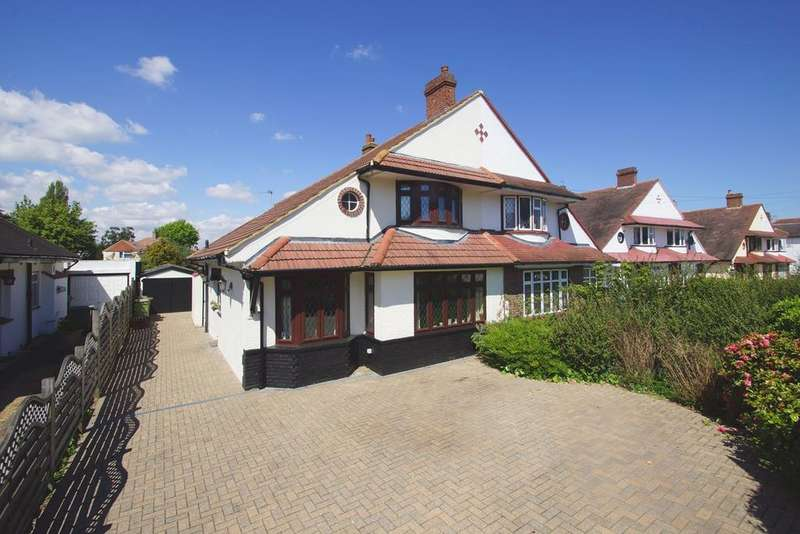 3 Bedrooms Semi Detached House for sale in Braundton Avenue, Sidcup, DA15
