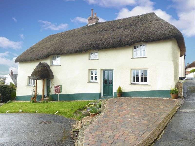 4 Bedrooms Property for sale in Winkleigh, Devon