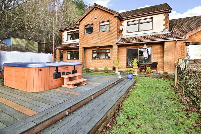 4 Bedrooms Detached House for sale in Greenfield Terrace, Cefn Pennar, Mountain Ash
