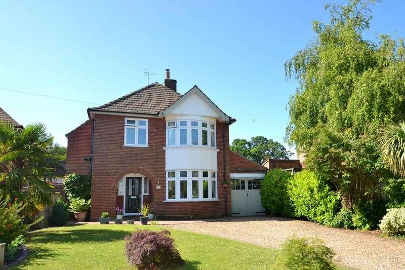 4 Bedrooms Detached House for sale in Woodstone Avenue, Ipswich, IP1 3TE