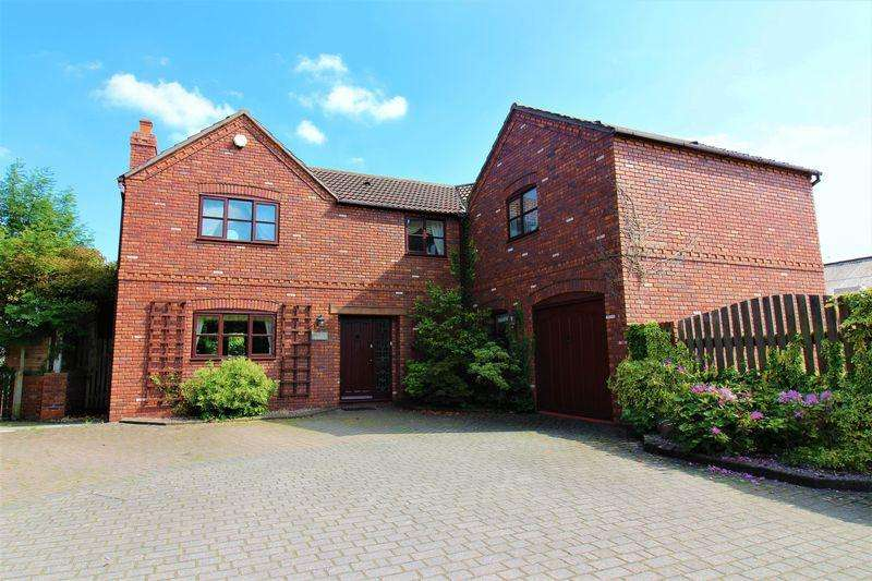 4 Bedrooms Detached House for sale in The Maples, Mickle Trafford, Chester