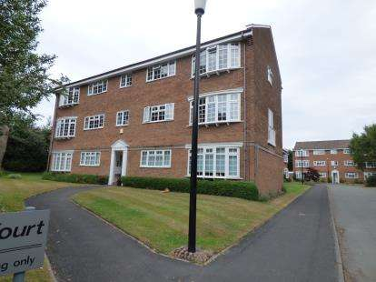 2 Bedrooms Flat for sale in Flat 7, Broad Road, Sale, Greater Manchester