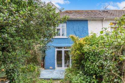2 Bedrooms Semi Detached House for sale in Falmouth, Cornwall