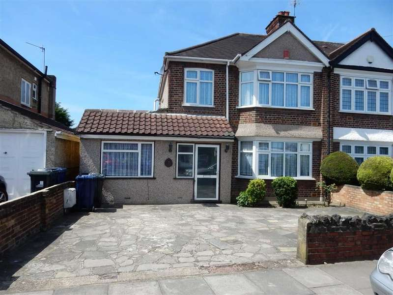 4 Bedrooms Semi Detached House for sale in Sherborne Avenue, Norwood Green, Middlesex