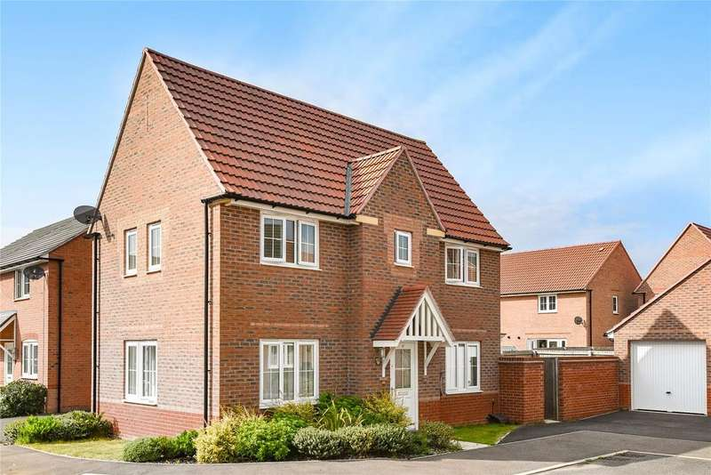 3 Bedrooms Detached House for sale in Tacitus Way, North Hykeham, LN6