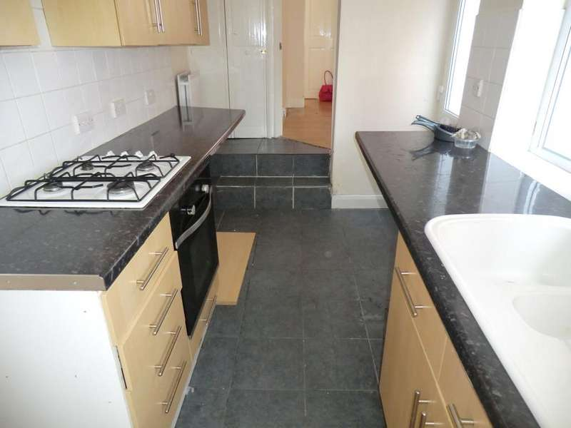 2 Bedrooms Terraced House for sale in BROTTON TS12
