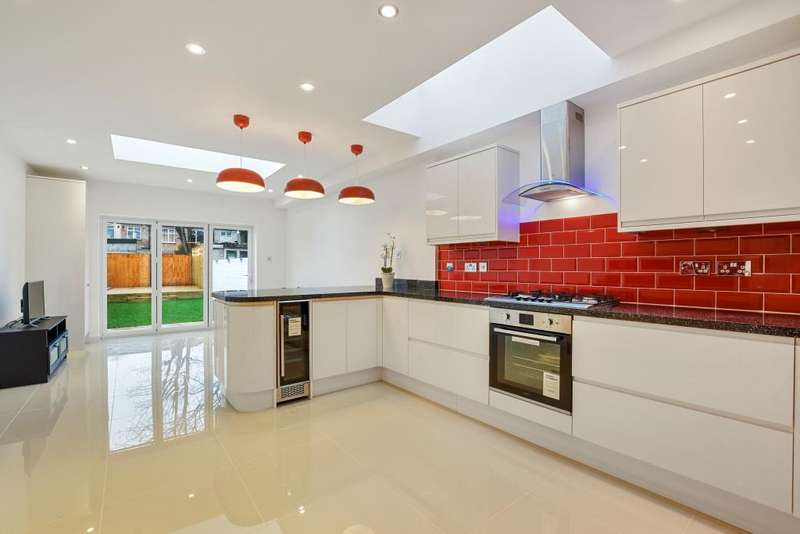 5 Bedrooms House for sale in Lyndhurst Road, London