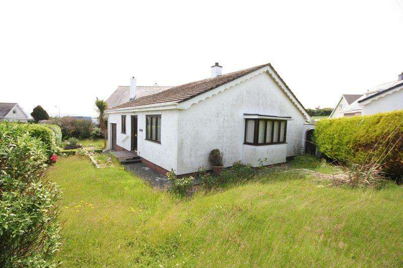 3 Bedrooms Detached Bungalow for sale in Moelfre, Anglesey