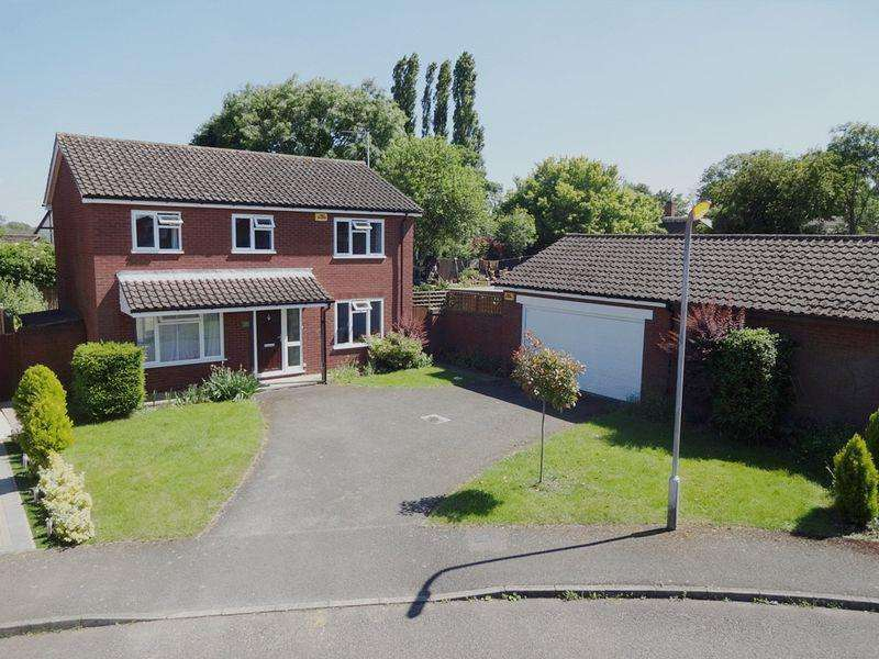 4 Bedrooms Detached House for sale in Newton Longville
