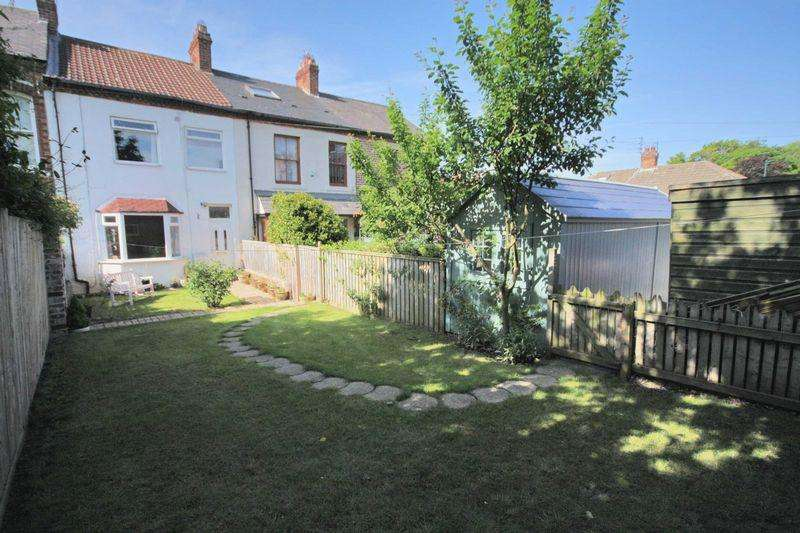 2 Bedrooms Terraced House for sale in Gill Street, Saltburn-By-The-Sea