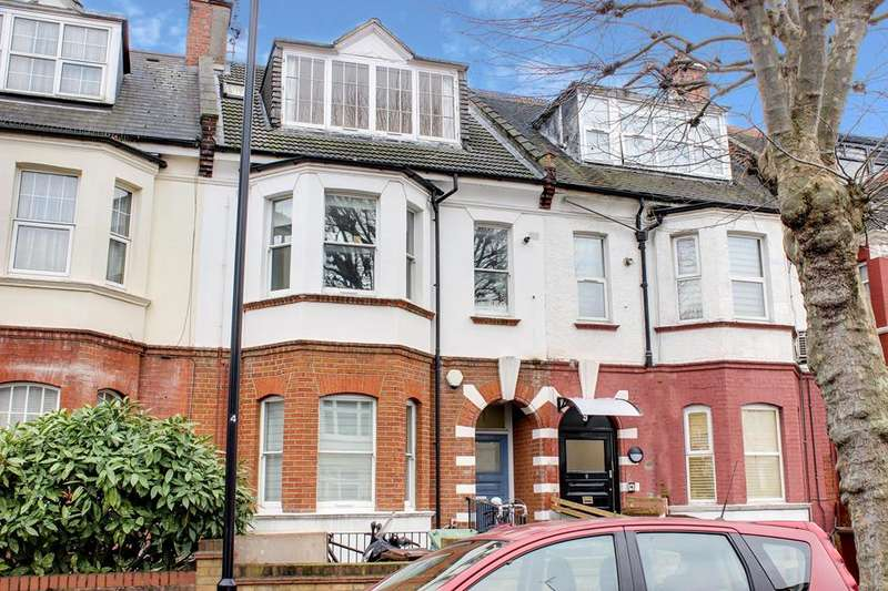 2 Bedrooms Flat for sale in Moresby Road, London, E5