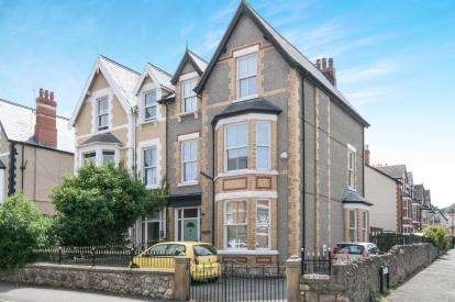 6 Bedrooms Semi Detached House for sale in Greenfield Road, Colwyn Bay, Conwy, North Wales, LL29