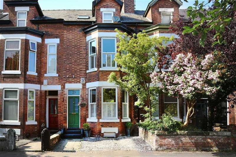 4 Bedrooms Terraced House for sale in Warwick Road, Chorlton, Manchester, M21