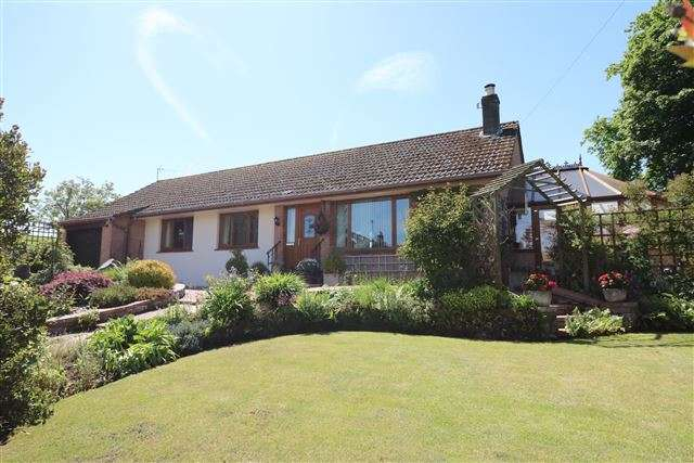 3 Bedrooms Detached Bungalow for sale in Irthington, Carlisle, Cumbria, CA6 4NJ