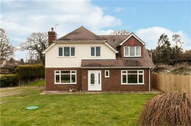 3 Bedrooms Detached House for sale in Sandhurst Lane, Bexhill-on-Sea, East Sussex