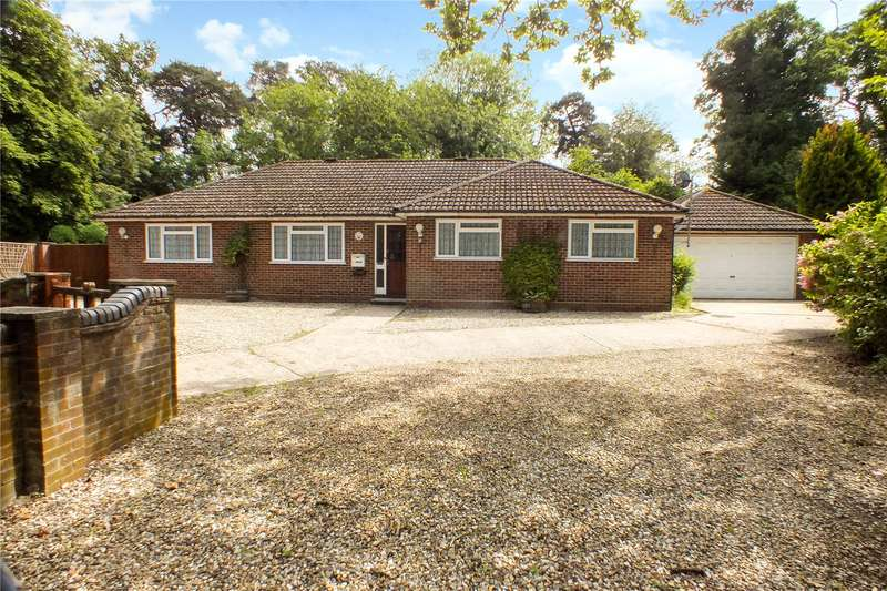 5 Bedrooms Detached Bungalow for sale in The Street, Crookham Village, Fleet, GU51