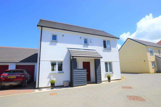 3 Bedrooms Detached House for sale in Glanville Road, Camborne, Cornwall