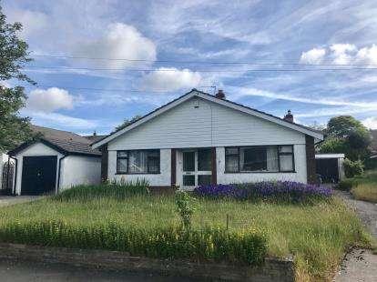 3 Bedrooms Bungalow for sale in Burnside, Stalybridge, Greater Manchester