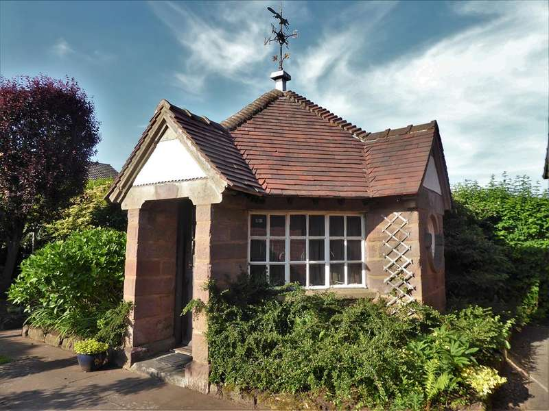 4 Bedrooms Bungalow for sale in Summit Gardens, Halesowen, West Midlands, B63 4SP