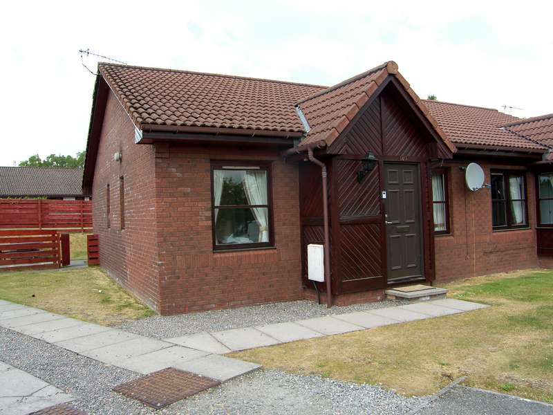2 Bedrooms Semi Detached House for sale in Silverglades, Aviemore, PH22 1TD