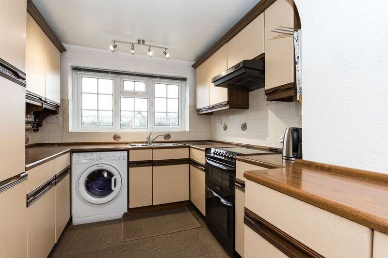 3 Bedrooms Semi Detached House for sale in Seaton Close, Staithes, North Yorkshire, TS13