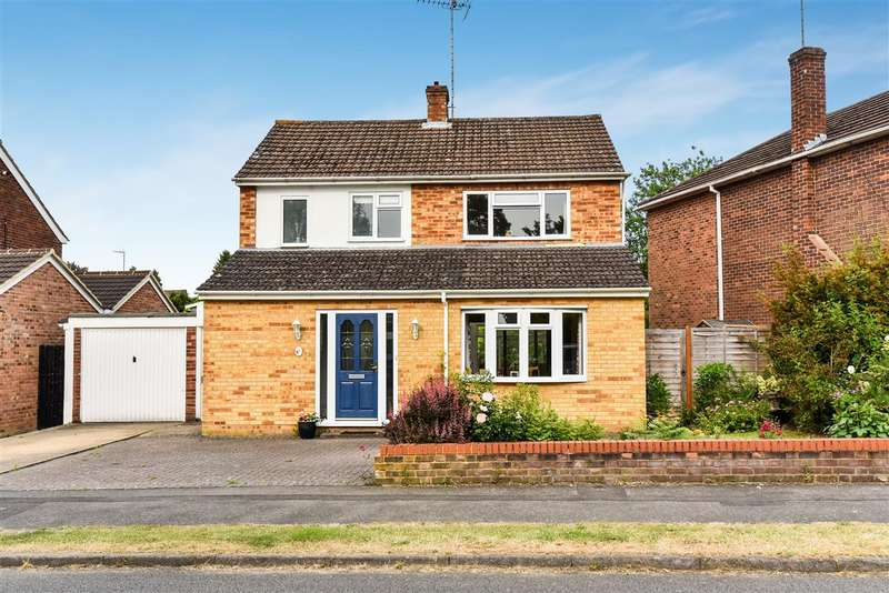 3 Bedrooms Detached House for sale in Lea Croft, Crowthorne